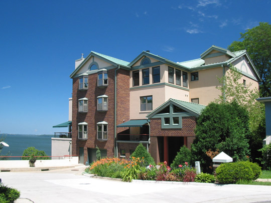 Pinckney Place on Lake Mendota
